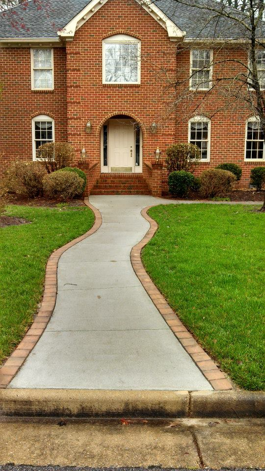 Broom finish walkway & sidewalk with brick border